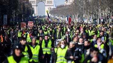 Des milliers de gilets jaunes sont de retour ce samedi sur les Champs-Élysées à Paris.