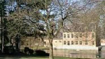 Molenbeek-Saint-Jean: les accès au château du Karreveld font peau neuve.