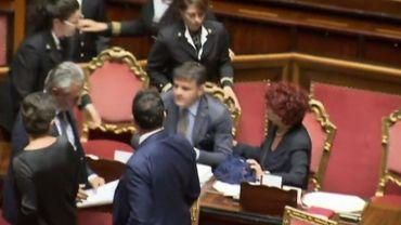 Une ministre italienne envoyée à l'infirmerie par des sénateurs d'extrême droite