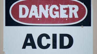 L'acide picrique est un produit dangereux, à risque d'explosion