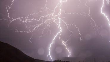 Le pays est en alerte orageuse élevée.