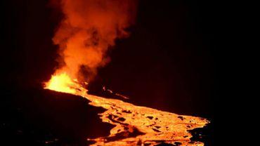 Le volcan La Cumbre, située sur Fernandina dans l'archipel des Galapagos, lors d'une précédente éruption le 27 juin 2018