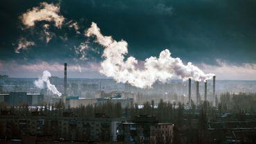 2,4 milliards de tonnes de CO2 en moins dans le monde en 2020.