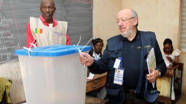 """Les législatives au mali sont """"un succès"""" selon Louis Michel, chef de le délégation des observateurs européens"""