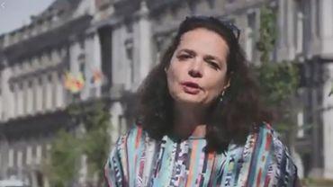 Christine Defraigne chante: «Je suis une femme libérale, je suis la force tranquille»