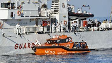 L'ONG se dit prête et désireuse de déployer tout de même son navire dans la zone libyenne, mais elle doit d'abord obtenir des garanties quant à la sécurité de ses équipes et la viabilité de la mission.