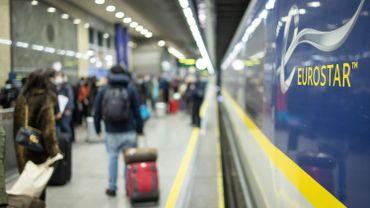 Devant l'ampleur de la crise, Eurostar a réduit ses coûts, mis ses effectifs au chômage partiel et emprunté de l'argent.