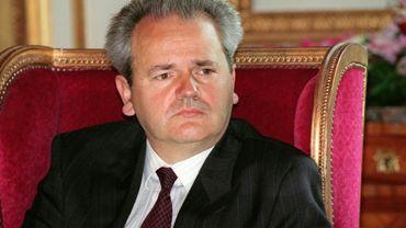 Portrait d'archives du président de la fédération yougoslave Slobodan Milosevic lors d'une conférence de presse à Paris le 29 août 1991 à Paris. Une comédie musicale consacrée à l'ex-patron de la Serbie pendant les guerres des Balkans et à son épouse, Mira Markovic, est en préparation à Belgrade, a appris AFP mardi 9 janvier 2018 auprès d'un des auteurs.