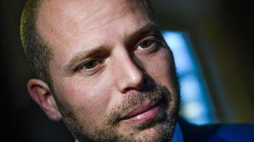 Theo Francken accueilli à la VUB par une marche de protestation