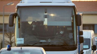 Un bus transportant des rapatriés de Wuhan (Chine), placés en quarantaine à Carry-le-Rouet depuis le 3 février 2020