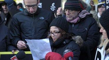 Ensaf Haidar, femme du blogueur Raef Badawi, demande sa libération lors d'un rassemblement de soutien organisé à Montréal, le 13 janvier 2015