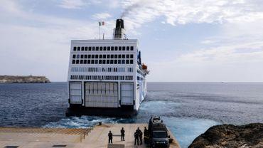 Coronavirus en Italie: 2400 migrants évacués de Lampedusa vers la Sicile