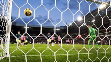 Le match d'ouverture d'Eredivisie annulé en raison d'une action de la police