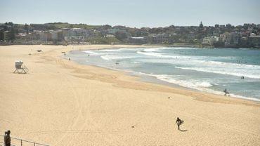 La populaire plage de Bondi Beach en Australie désertée en raison de la crise du coronavirus