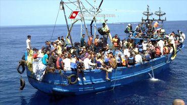 Un bateau de migrants en Méditerrannée