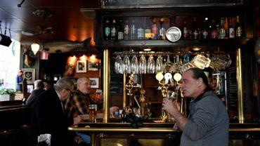 """Le """"Half way in"""", un pub dans le centre de Stockholm, le 23 mars 2020"""