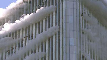Le 11 septembre 2001, deux avions sont entrés en collision avec les tours jumelles du World Trade Center, qui se sont effondrées au bout de quelques dizaines de minutes.