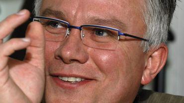 Luc Paque, l'un des assistants parlementaires de l'euro député Louis Michel a démisionné.
