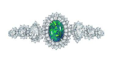 Haute Joaillerie : Dior fait de l'opale sa nouvelle muse