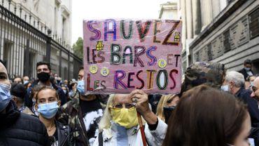 Coronavirus en France: à Paris aussi, les patrons de bars sont mécontents et le font savoir