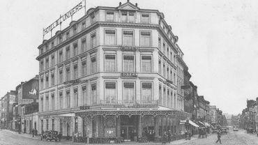 La Brasserie de l'Univers était là depuis plus de cent ans, sous l'hôtel du même nom, au coin de la rue des Guillemins, juste en face de l'ancienne gare.