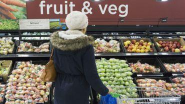 Le rayon fruits et légumes d'un supermarché anglais
