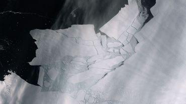 Un morceau de banquise grand comme deux fois la Région bruxelloise s'est détaché de l'Antarctique