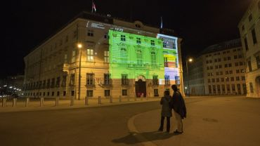 Dimanche soir, une projection commémorative de l'Anschluss avait lieu sur la façade de la Chancellerie autrichienne.