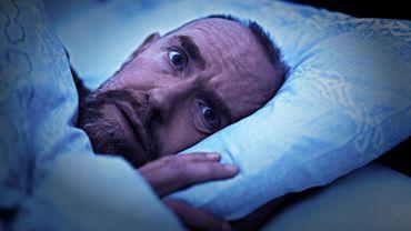 Dormez-vous les yeux ouverts? Vous êtes loin d'être le seul !