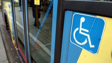 La Stib facilite la vie aux personnes en chaise roulante, et lance le projet Accessibus