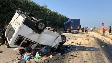 Une collision entre une fourgonnette et un camion a fait douze morts, tous des ouvriers agricoles étrangers, le 6 août 2018 dans le sud de l'Italie.