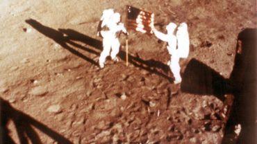 Neil Armstrong et Buzz Aldrin, le 20 juillet 1969, sur la Lune