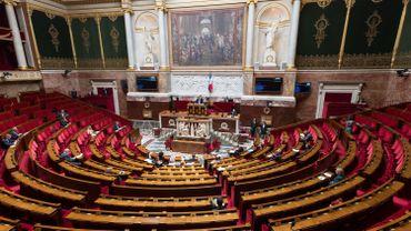 Coronavirus en France: le Parlement donne son feu vert à la sortie de l'état d'urgence sanitaire