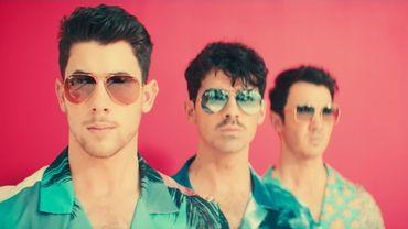 """Les Jonas Brothers ont dévoilé le clip de """"Cool"""" sur YouTube."""