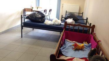 Actuellement, le centre propose des lits, des couvertures, du matériel pour bébés… (illustration)