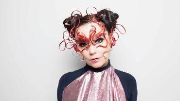 Björk influencée par Tinder sur son prochain album ?