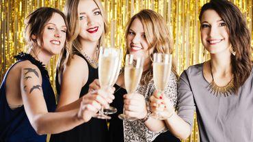 Noël et Jour de l'An : trois tutoriels pour un maquillage festif