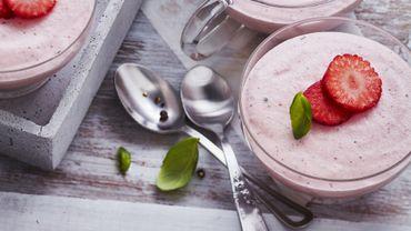 Mousse de fraises au poivre et basilic