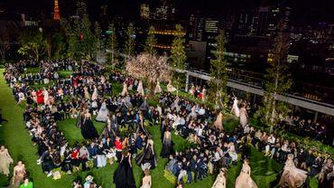 En images : le défilé haute couture de Dior à Tokyo