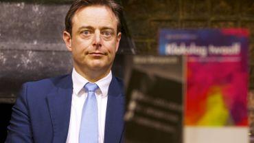 """Bart De Wever: """"Nous avons autorisé la mauvaise sorte de migrants en masse"""""""