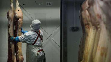 Les autorités enquêtent sur des cas de contamination à la viande de porc