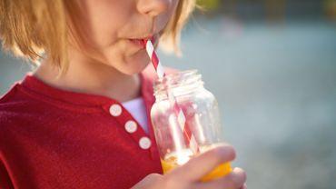 Roumanie: une taxe soda pour réduire l'obésité et alimenter le budget.