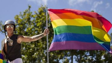 Un participant à la Gay Pride de PAris le 25 juin 2011