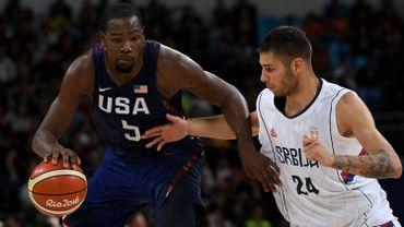 Coupe BasketLes Des Comme Monde De Usa Mouches Du Tombent Joueurs EWb9Ye2IDH