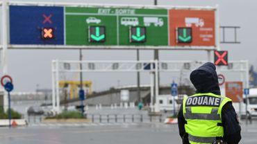 Une nouvelle signalétique verte et orange dans le port de Calais pour éviter l'engorgement en cas de Brexit dur