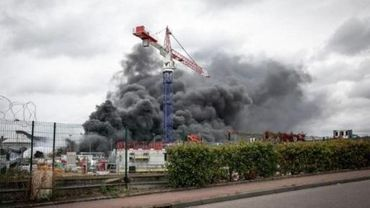 Aucune pollution spécifique détectée en Wallonie à cause de l'incendie à Rouen