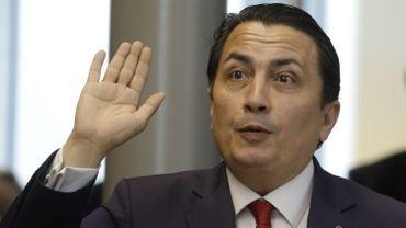 Le député socialiste bruxellois, Emin Ozkara, annonce qu'il siégera dorénavant comme indépendant.