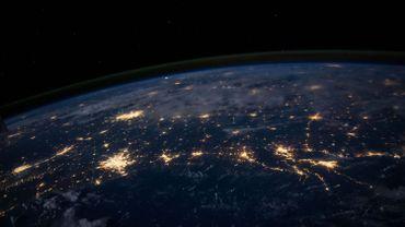 Internet étend sa toile, et son empreinte écologique, sur toute la planète.