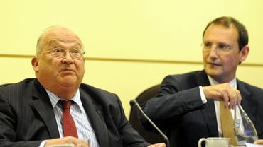 Dexia: Jean-Luc Dehaene (G) et Pierre Mariani