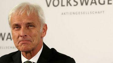 Tricherie antipollution: le patron de Volkswagen prépare les salariés à des temps difficiles